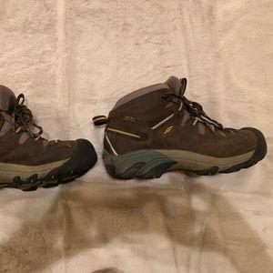 size 8 Keen Targhee ll hiking waterproof boots